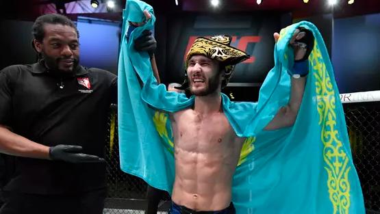 Казахстанский боец Сергей Морозов одержал первую победу в UFC
