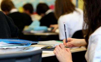 Фейк: «Непривитых против COVID-19 не пустят в школы»