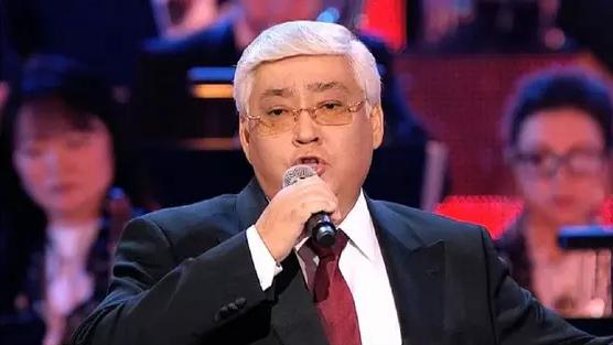Токаев присвоил звание Алибеку Днишеву