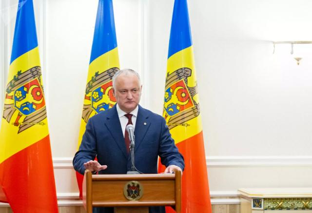 Додон заявил о вмешательстве западных дипломатов в выборы в Молдавии