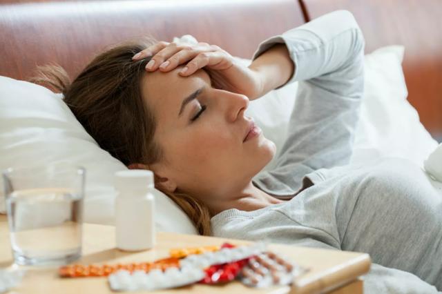 Врач рассказал, как справиться с головной болью без таблеток