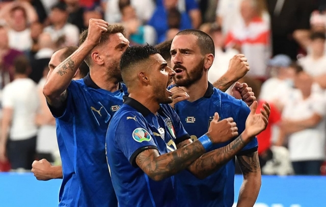 Футбол не вернулся домой: Сборная Италии выиграла Евро-2020