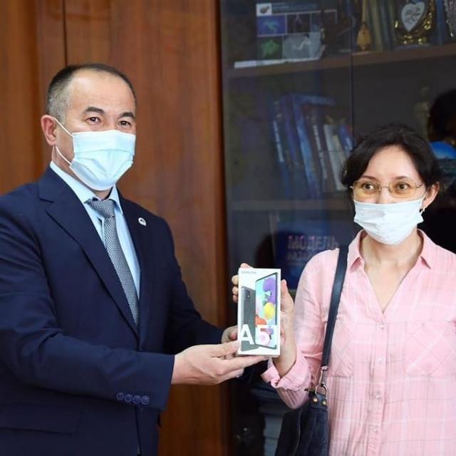 «Получи вакцину - выиграй автомобиль»: В Актобе состоялся первый розыгрыш призов