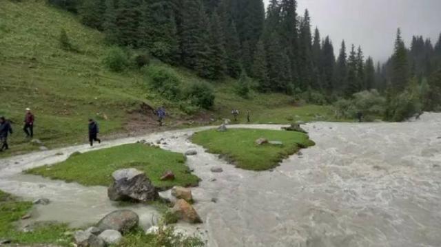 Казахстанка пропала в горах Кыргызстана