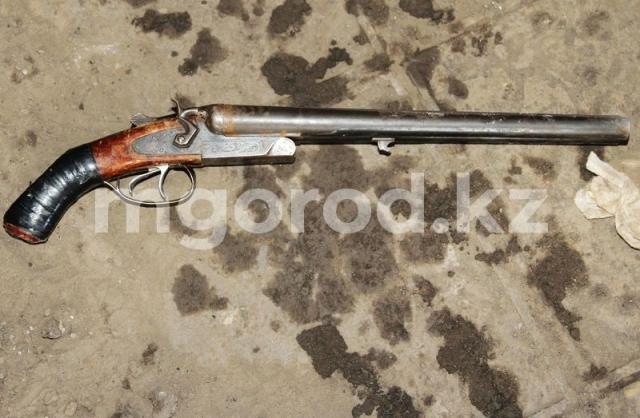 В ЗКО школьник выстрелил в себя из карабина