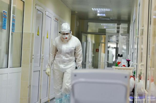 """Эксперт рассказал, для кого """"дельта""""-штамм коронавируса опаснее всего"""