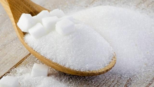 Квоты на ввоз сахара и сырца установили в Казахстане