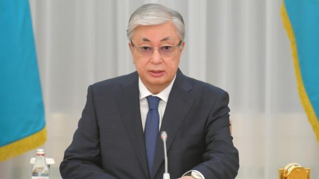 Президент Токаев реорганизовал Минздрав и Министерство труда