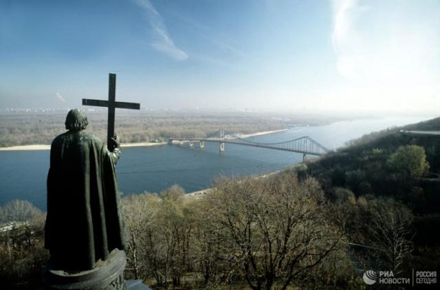 """""""Немецкий след"""": кто и когда на самом деле крестил Русь"""