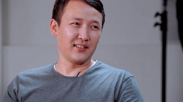 Казахстанский блогер Суперпапа оказался в центре скандала из-за сбора денег