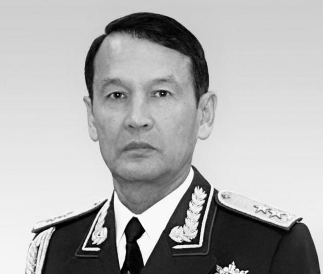 Умер казахстанский генерал-лейтенант в отставке Курбан Каражанов