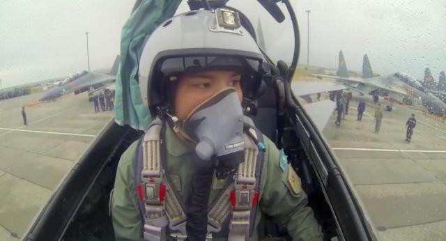 Впервые в истории Казахстана: летчица-истребитель стала командиром экипажа