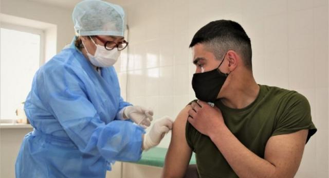 В Казахстан поставят дополнительные 8 миллионов доз вакцин от коронавируса