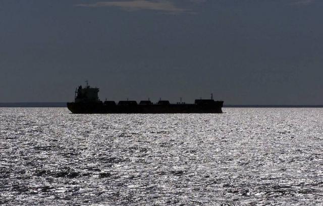 Нападавшие покинули захваченный в Оманском заливе танкер