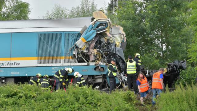 В Чехии столкнулись два пассажирских поезда, есть погибшие