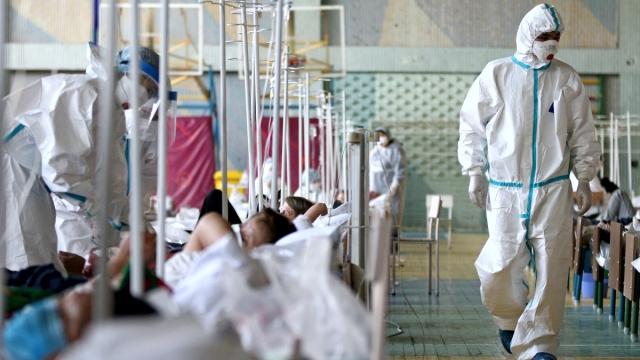 Больницы Актобе переполнены, пациентов с ковид некуда класть