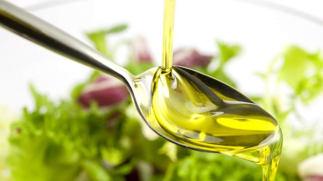 Диетолог назвал безопасную норму потребления рафинированного масла