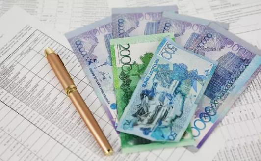 На сколько могут вырасти соцвыплаты и зарплаты после повышения МЗП в Казахстане