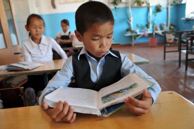 Названы факторы, мешающие развитию казахского языка
