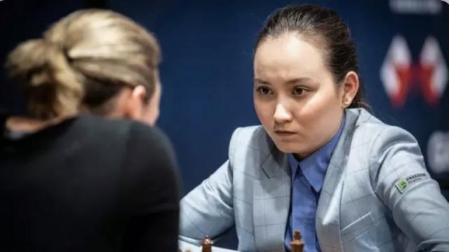 Казахстан лидирует на шахматной Олимпиаде. Абдумалик обыграла лучшую шахматистку мира