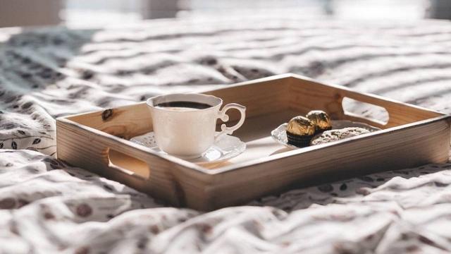 Названы пять напитков, которые помогают быстрее проснуться