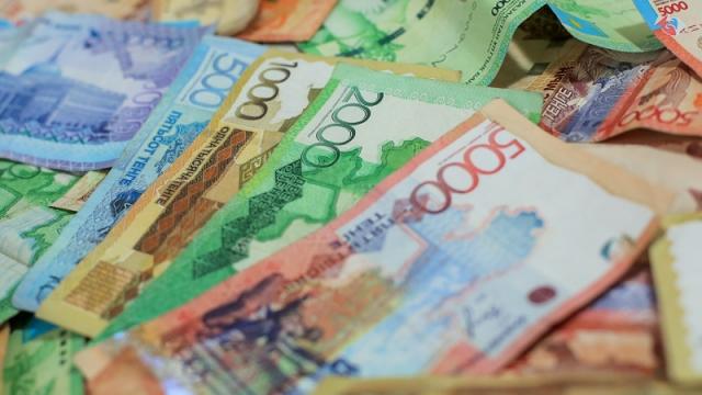 Грозит ли Казахстану девальвация тенге, ответили эксперты