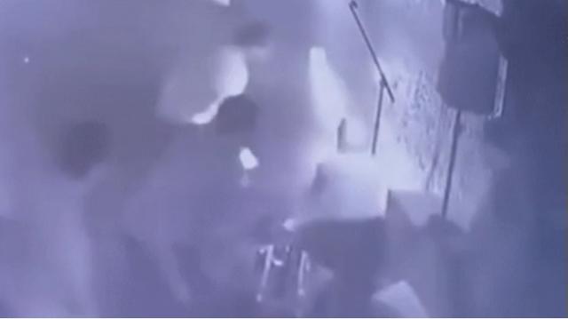 Девушка заявила об избиении в караоке-клубе Алматы