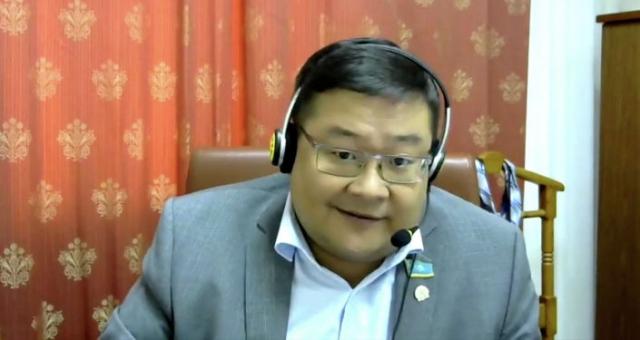 Казахстанцы останутся без Facebook, Instagram и YouTube? Депутат пояснил законопроект