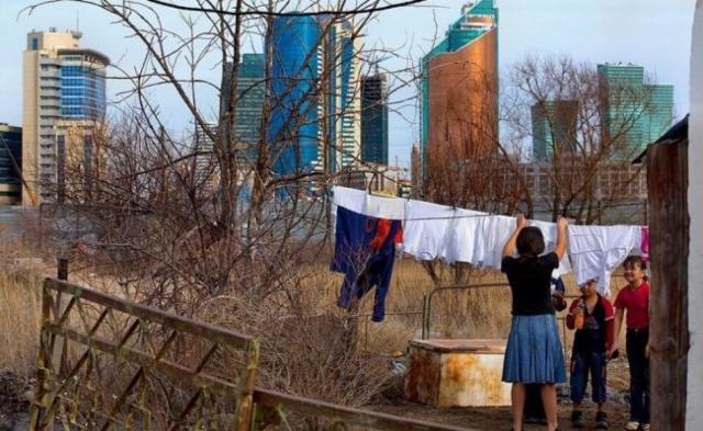 85% беднейших казахстанцев проживает в больших семьях